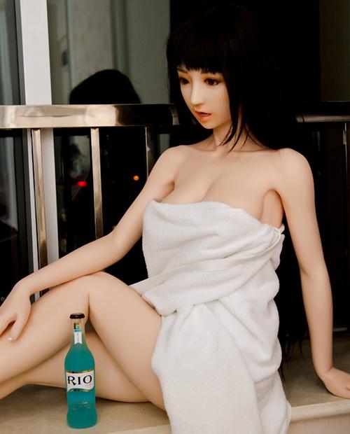 Produkt-Bild-DS-Doll_Dollslounge_Kathyi-168_plus-SILIKON-Sexdoll
