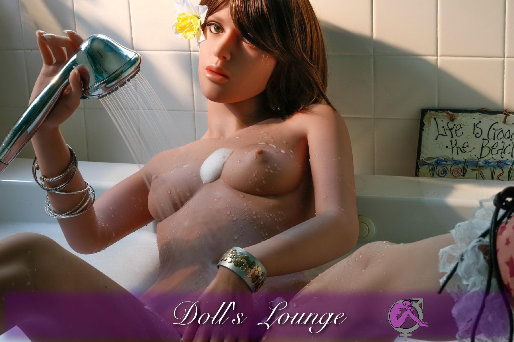 Die TPE Sexgöttin Leona zeigt Ihnen wo es lang geht!