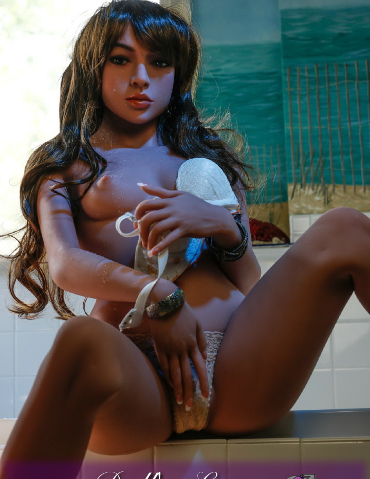 TPE Lovedoll Yanina, wenn weniger , einfach mehr ist. Definiert Sex mit einer Gummipuppe vollkommen neu