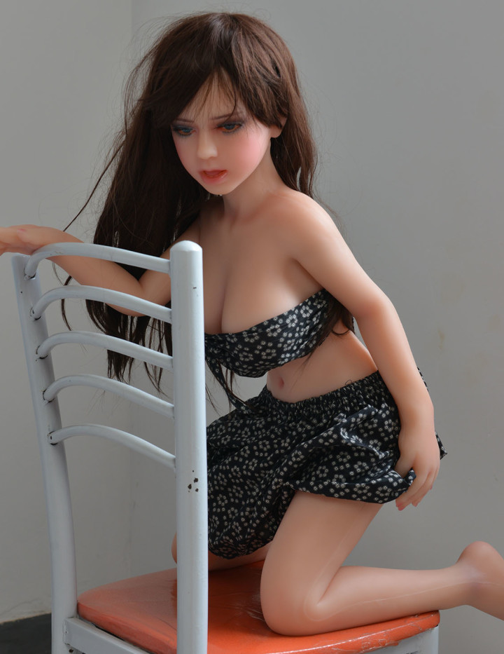 Silikonpuppe Ina mit 117cm mit Zähnen und Zunge ist sie von den kleinsten Puppen einer der detailreichsten