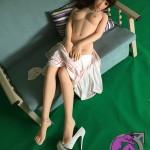 Detailbild von Brust und Bauch zu Body 153cm mit Cup A