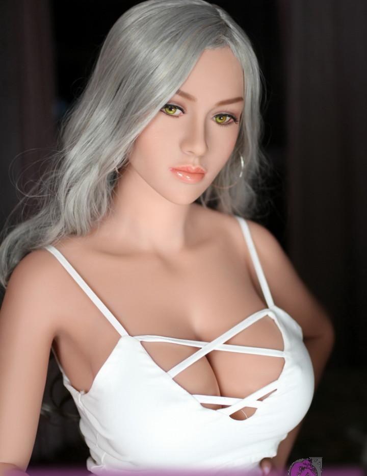 Doll's Lounge optimierte Lovedoll Sandy Mei. Du suchst eine große Puppe mit üppiger Oberweite, dann bist Du mit Sandy Mei bestens beraten! 168cm