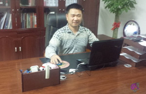 James Liu, Manager Doll's Lounge Office China